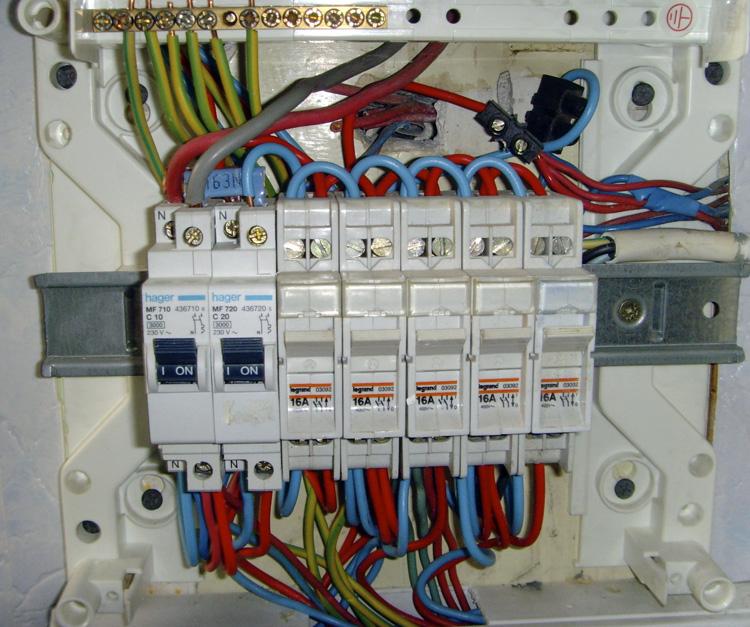 Installation tableau electrique aeg