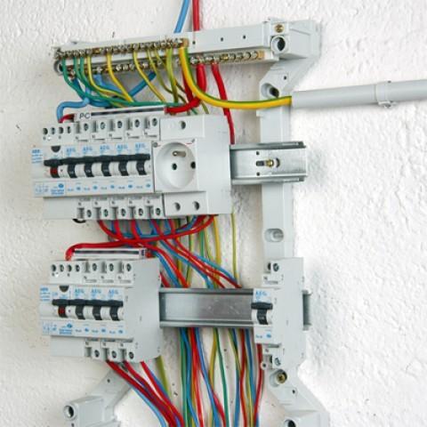 Video comment cabler un tableau electrique