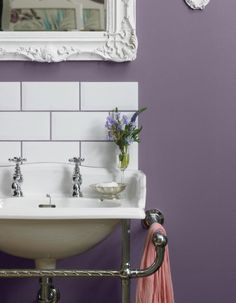 Peinture lilas salle de bain