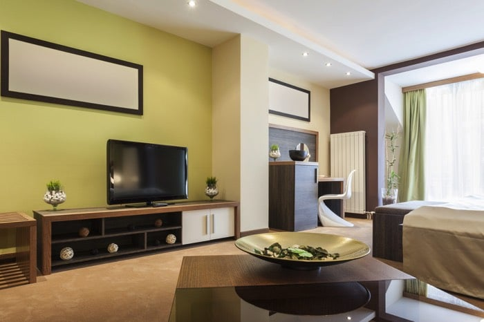 Peinture chambre meuble marron