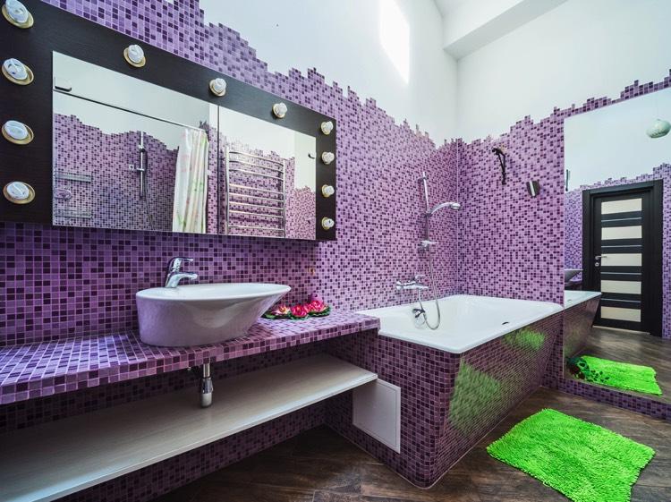 Salle de bain peinture mauve